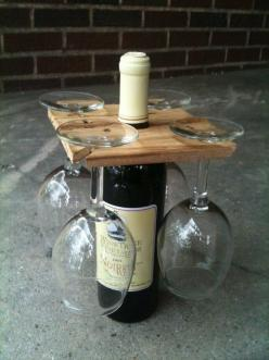 Good housewarming gift or hostess gift. DIY gift idea: Craft, Gift Ideas, Housewarming Gift, Diy Gift, Wine Glass, Wine Bottles, Hostess Gift