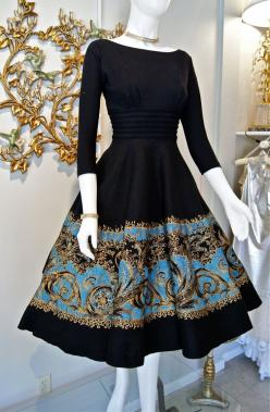 "~Miss Elliette-1950's wool bodice and ""new look"" sillouette full felt circle skirt~ I have a dress like this without the blue part: Style, Vintage Dresses, Clothing Boutique, 1950 S, Vintage Skirt, 1950S Fashion, Vintage Clothing"
