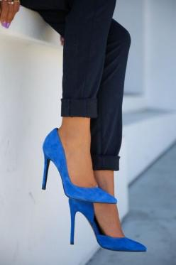 Nine West cobalt shoes - Shoes and beauty... blue suede shoes Check out the website to see more: Fashion, Style, Shoes Pump, Suede Shoes, Blue Heels, High Heels, Blue Suede, Shoes Shoes