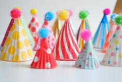party diy: party hat cupcake toppers: Cupcake Liners, Craft, Party'S, Party Hats, Cupcake Hats, Party Ideas, Cupcake Toppers