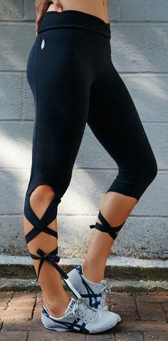 Prettiest workout leggings, my legs would probably look like cased sausage though: Barre Outfit, Workout Outfit, Yoga Pants Outfit, Workout Cloth, Dance Outfit, Free People, Turnout Legging, Work Out, Workout Legging
