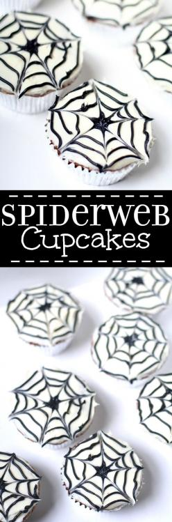 Spiderweb Cupcakes are a cute and fun but totally easy treat, perfect for Halloween or an adorable Spiderman birthday party.  They'll be a hit at your next party! Such a cute treat for kids!: Spiderman Birthday, Spiderweb Cupcakes, Easy Halloween Trea
