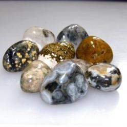 The positive vibrations of Ocean Jasper make it a stone of joy.  Stimulates solar plexus, heart and throat chakras  Increases expression of love in words and actions  Gently brings into focus the positive aspects of one's life  Brings relaxation and c