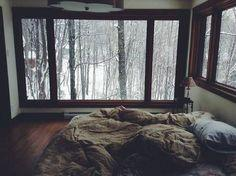 What a beautiful and minimal room. I love the comfy bed and beautiful view.
