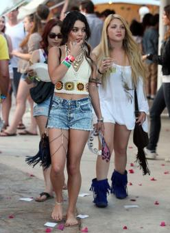 2011: Walks barefoot across her kingdom while wearing a thigh necklace: | A History Of Vanessa Hudgens At Coachella: Vanessa Hudgens, Fashion, Style, Music Festival, Coachella, Thigh, Vanessahudgens, Leg Chain, Body Chains