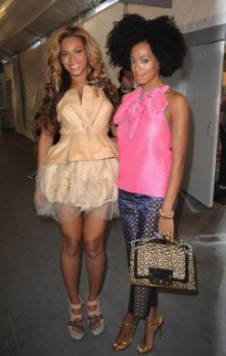 Beyonce & Solange: Knowles Sisters, Beautiful Sisters, Famous Siblings, Sister Solange, Sisters W Me, Beyonce Solange, Solange Knowles, Fancy Sisters, Photo
