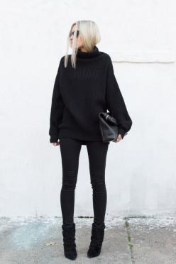 black on black: Minimal Outfit, Black Winter Outfit, Black On Black Outfit, Winter Black Outfit, Monochrome Outfit, Aritzia Outfit, Chic Black Outfit, All Black Outfit