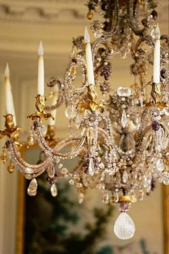 Chandelier at museum Nissim de Camondo, Paris 1745-1755 Ormolu trimmed with rock crystal, amethyst and smoky quartz In the shape of vase topped with a crown, this chandelier is one of the finest examples known from the mid-eighteenth century, especially v