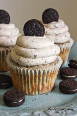 Death by Oreo Cupcakes - an Oreo is baked into the bottom of the cupcake, is crushed into the cake batter and the frosting and it's all topped off with a mini Oreo on top!! OREO OVERLOAD!: Javacupcake 2, Cupcake Recipes, Oreo Cupcake Recipe, Death, Fo