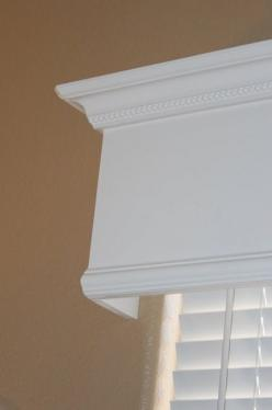 Great way to quickly and cheaply make a huge upgrade that looks great by making wooden window valance. Awesome step by step instructions!: Living Room, Wooden Window, Wood Window, Crown Molding, Wood Valance, Diy Window, Window Valances