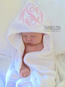 Monogrammed Infant Hooded Towel. Oh my goodness, that is so adorable. I must do this: Baby Girl Gift, Monogram Baby Gift, Monogrammed Towel, Baby Girl Shower Gift