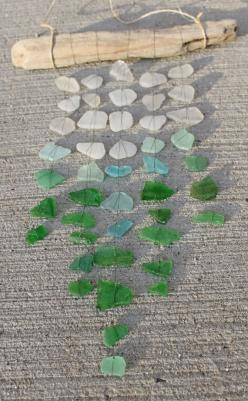 Sea Glass Wind Chime... I never collect rocks or shells at the beach cause they just end up being thrown away but next time I go to the beach I am TOTALY going to collect some sea glass!!: Glass Art, Beach House, Driftwood Sea Glass, Beach Glass, Glass Mo