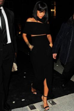 "thephoenixlady:  theedjcagedbird:  piercingsnipplesndimples:   Rihanna leaving ""Porter"" magazine party in Paris   My wife  This ensemble tho…  Thank God she's covered up, looks so classy: Paris, Fashion, Celeb, Riri, Outfit, Rihanna Style, Posts, Black"