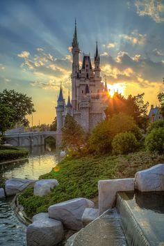 This photographer has amazing photos of Walt Disney world...AND you can order this prints!! LOVE this one.
