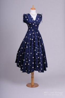 1940's Navy Blue and White Polka Dot Vintage Dress: Party Dresses, Polka Dots, Vintage Dresses, Vintage Fashion, 1940S, Polka Dot Dresses, Navy Blue, Blue And White