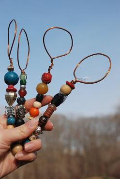 beautiful bubble wands - strong wire bent into a loop and wrapped ... then extending wire is threaded with beads of choice and then wire is twisted and tucked at end.: Copper Wire, Grandkid, Homemade Bubble Wands, Bubbles, Craft Projects, Craft Ideas