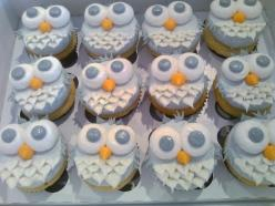 I don't really understand the whole owl thing right now but these are cute and simple at the same time: Owl Cupcakes For Baby Shower, Baby Shower Owl Cupcakes, Sweet, Owls Cupcakes, Owl Baby Shower Cupcakes, Babyshower Cupcakes Boy, Owl Cakes, Party I