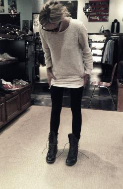 Leggings + Oversized Sweater + Boots =comfy: Casual Style, Outfit, Military Boot, Oversized Sweaters, Sweater Boots, Fall Winter, Combat Boots