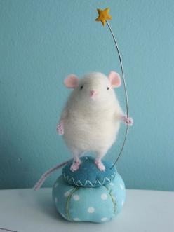Mouse - this has to be one of the cutest things I have ever seen!: Mice, Mouse, Crafty, Pincushions, Baby, Diy