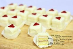 Petit-four How to! My grandma would always get me a box for X-mas. I have been wondering how to make these for some time now!<3<3<3: Petit Fours, Idea, Petite Four, Valentines, Valentine Petits, Dessert