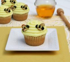 Pooh's Beehive Cupcakes: Shower Ideas, Baby Shower Cupcake, Beehive Cupcakes, Winnie The Pooh, Bee Cupcakes, Pooh Baby, Baby Shower