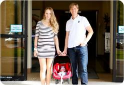 Really cute leaving the hospital pic...if I could find an outfit that doesn't make me look 6 months prego 2 days after baby is born! Lol: Newborn Picture Outfit, Hospital Newborn Pictures, Picture Idea, Newborn Outfit, Baby Hospital Photo, Baby Pictur