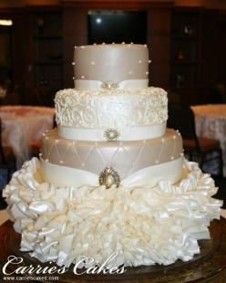 This is a stunning cake; the quilting, the pearls and the sheen. I would make it higher though; with less flowers at the bottom because it looks a little cluttered.: Wedding Ideas, Weddings, Amazing Cakes, Cake Ideas, Wedding Cakes, Dream Wedding, Beautif