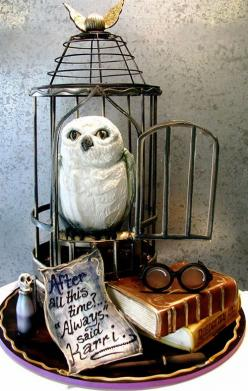 Wedding cake featuring Hedwig the owl from Harry Potter by Rosebud Cakes in Beverly Hills, California. The glasses, wand, and polyjuice potion are all edible.: Hedwig Cake, Harry Potter Cakes, Food, Harrypotter, Amazing Cakes, Awesome Cakes, Wedding Cake,