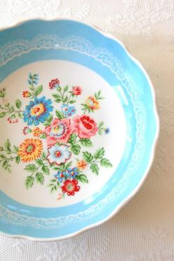 beautiful blue floral bowl, greengate: Beautiful Blue, Pretty Floral, Vintage China, Kitchen, Blue Floral, Flower