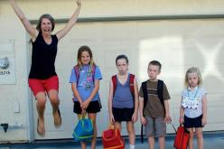 Best 'First Day of School' picture ever! Hahahaha: Schools, Funny Stuff, First Day Of School, Mom, Back To School, Kid, Backtoschool