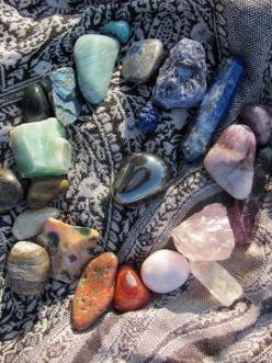 gem and mineral rainbow - all the chakras, all the stations: Crystals Minerals Gemstones, Rock Collection, Healing Crystals, Colorful Gemstones, Healing Stones, Gems Stone, Crystal Healing, Crystals Gemstones, Pretty Rocks