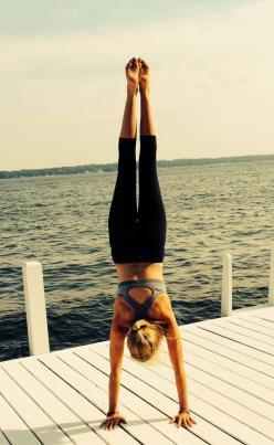 handstands #fitspo: Exercise Workouts, Organic Coconut Oil, Handstand My, Handstands Fitspot, Handstands Goals, Girl Handstand, Fitness Goals, Handstand Inspiration