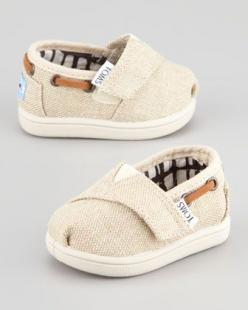 I love these! Tiny Burlap Bimini Shoe, Natural by TOMS at Neiman Marcus.: Babies, Tiny Tom, Baby Toms, Future Baby, Baby Boy, Baby Shoes, Kid, Babyboy, Baby Stuff
