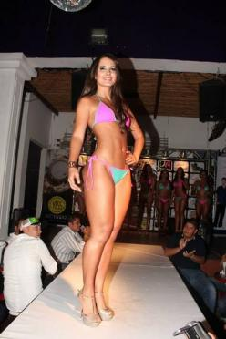 Leidy Ariztizabal Colombia: Leidy Ariztizabal, Ariztizabal Colombia, Colombian Hot, Beautiful Women, Pool Wear