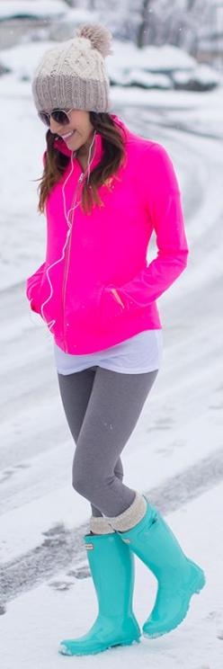 love. these. colors. Need bright colors for night time dog walking: Hunter Boots, Rain Boots, Winter Style, Neon, Cozy Outfit, Winter Outfits, Winter Fashion, Fall Winter, Bright Colors