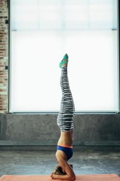 Pilates. Yoga. Barre. Versatile tights for versatile workouts. The Nike Legend Printed Tight.: Health Fitness, Fitness Motivation Body, Fitness Inspiration Body, Fitness Body Inspiration, Yoga Headstand, Fitness Goals Body, Fitness Body Motivation