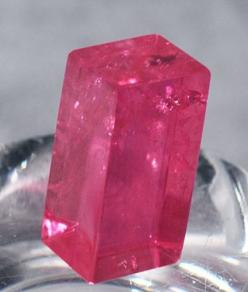 Rhodochrosite #pixiecrystals : of exceptional clarity and rhombic form - a sweet candy from the Earth: Gem Stones Crystals Rocks, Gemstones Minerals, Crystals Minerals Gemstones, China Pixiecrystals, Crystals Mineral Rocks, Rhodochrosite Pixiecrystals, Rh