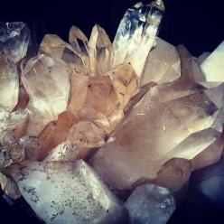rose quartz is a high-energy crystal, possessing both physical and spiritual healing properties. Great for relationships, fertility, the heart, circulation, reducing stress/anxiety, balance, and opening the heart chakra.: Inspiration, Color, Crystal Clust