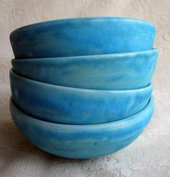 turquoise crackle-glazed stoneware bowls by Leslie Freeman: Crackle Glazed Stoneware, Beautiful Blue, Luxury House, Color, Living Room, Blue Bowls, Stoneware Bowls, Modern House, Turquoise Crackle Glazed