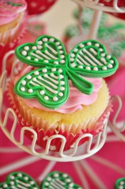 Cupcakes at a St. Patrick's Day Party #stpatricksday #cupcakes: Party'S, Birthday Parties, 1St Birthday, St. Patrick'S Day, Birthday Party Ideas, St Patricks, Stpatricksday Cupcakes, Birthday Ideas