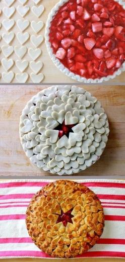 heart pie crust :) How cool is that?!?!!?  Apple Pie - with little pumpkin cut outs!: Cake, Apple Pie, Pie Crusts, Food, Valentines Day, Feet, Valentine S