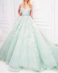 It's like if Alice went to a  masked ball in the spring!!  This should be your dress for the ball @Elizabeth Lambert: Wedding Dressses, Fashion, Mint Green, Style, Wedding Dresses, Wedding Gowns, Michael Five, Mint Weddings