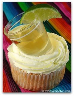 Margarita cupcakes with a shot of tequila (& a lime, of course). Hurry up, Cinco de Mayo!!: Cup Cakes, Fun Recipes, Cincodemayo, Food, Savory Recipes, May 5, Margaritas, Margarita Cupcakes
