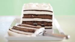 OREO & Fudge Ice Cream Cake. Looks hard. It's not. The secret? Ice cream sandwiches do most of the work. Delicious layers of Oreo Cookies and fudge help out, too. Highly rated Kraft recipe!!!!: Sweet, Oreo Fudge, Fudge Ice, Ice Cream Sandwiches, R