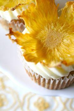 Pineapple Flowers: place on parchment paper and bake at 250 degrees for 30 minutes, flip and bake for another 30 minutes: Creative Cake Idea, Sweet, Flower Cupcake, Recipes, Food Decoration, Cup Cake, Pineapple Flowers