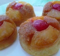 Pineapple Upside Down Cupcakes.: Sweet, Food, Pineapple Cupcakes, Upside Down Cakes, Upside Down Cupcakes, Upsidedown, Pineapple Upside Down, Chief, Dessert