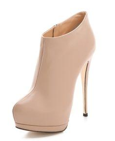 these giuseppe zanotti boots in nude are absolutely gorgeous. #shoeporn