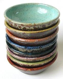 These would be great scattered around the house for loose change & other items: Ceramic Bowls, Handmade Pottery, Colorful Prep, Cardwell Pottery, Prep Bowls, Ceramics, Pottery Bowls, Lynn Cardwell