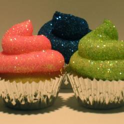 Birthday cupcakes... what girl doesn't love a little bling. ;): Glitter Cupcakes, Birthday Cupcake, Edible Glitter, Cup Cake, Teen Girl Birthday Cake, Cupcake Idea, Party Ideas, Dessert