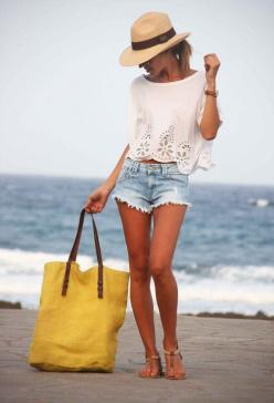 Cutoffs and a straw hat are beach vacation must-haves!: Summer Fashion, Beaches, Summer Style, Beach Outfits, Beach Style, Spring Summer, Summer Outfits, The Beach, Has